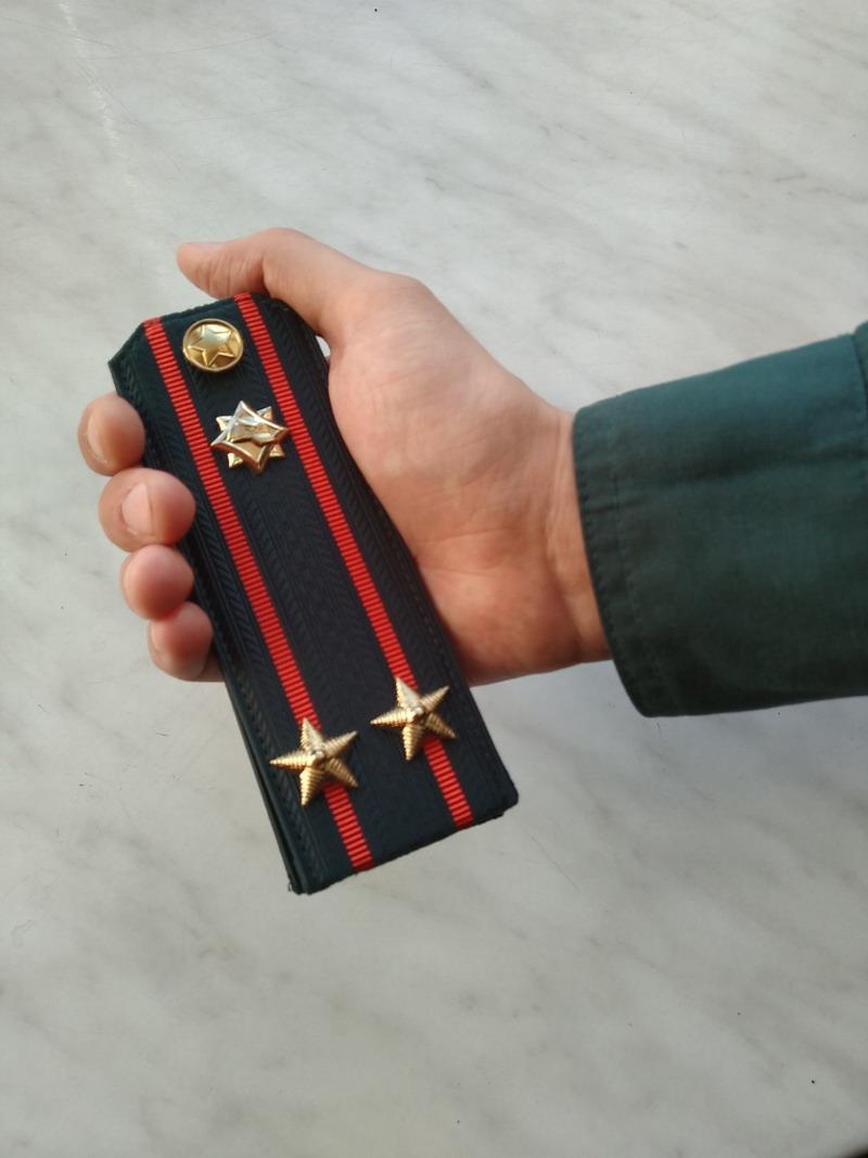одинаково поздравление с очередным званием подполковника смутно представляют себе