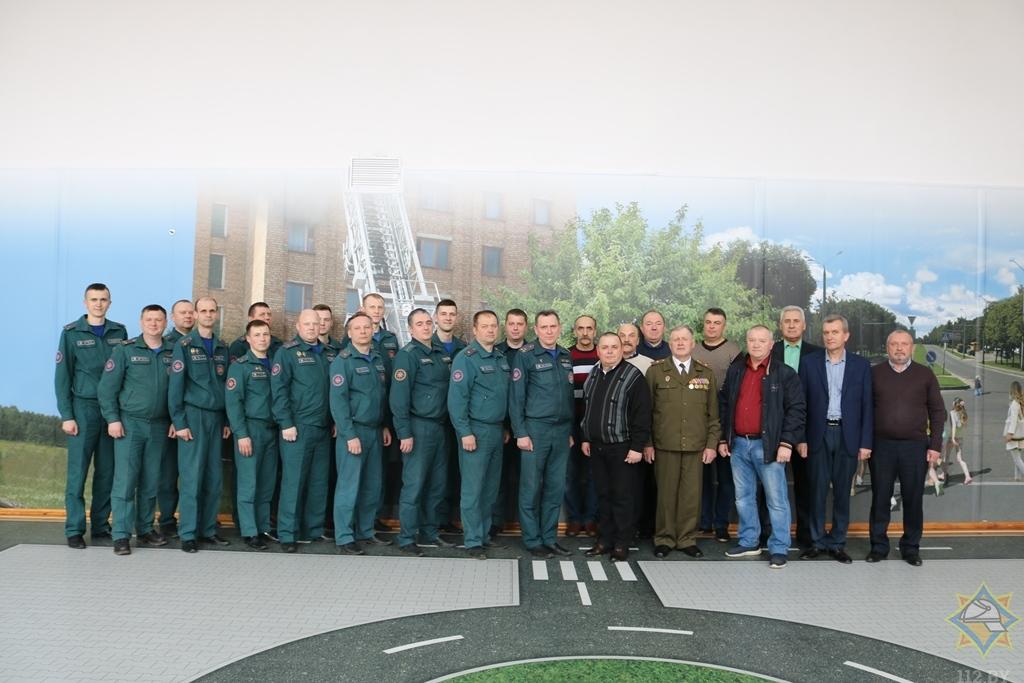 В канун Дня чествования ветеранов органов и подразделений по чрезвычайным ситуациям в РОЧС состоялась встреча поколений.